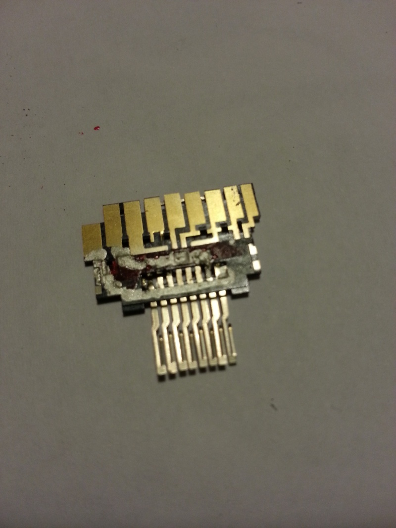 Colle conductrice (électrique)  20130214
