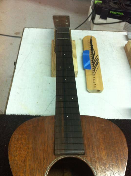Martin 0-17 1934 + mandoline Ozark amplifiée: 3000 Euros. 14881910