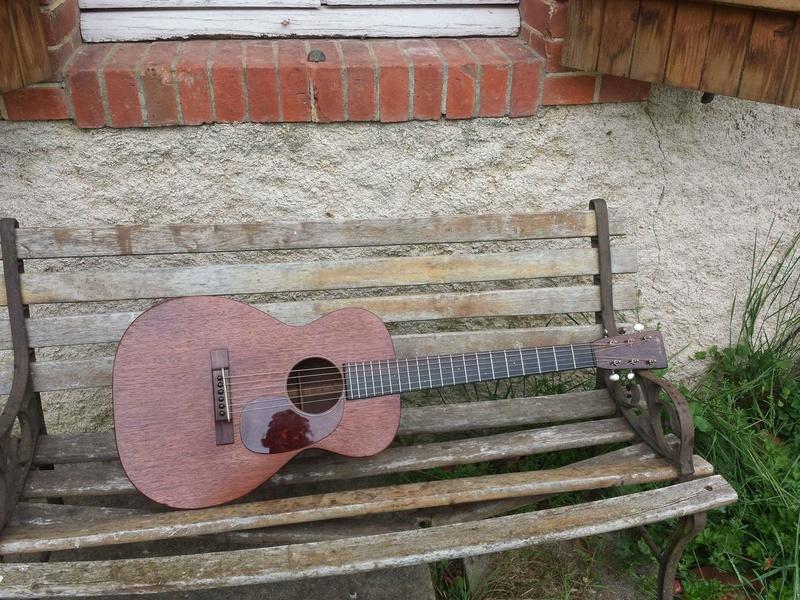 Martin 0-17 1934 + mandoline Ozark amplifiée: 3000 Euros. Martin28