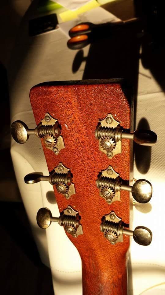 Martin 0-17 1934 + mandoline Ozark amplifiée: 3000 Euros. Martin29