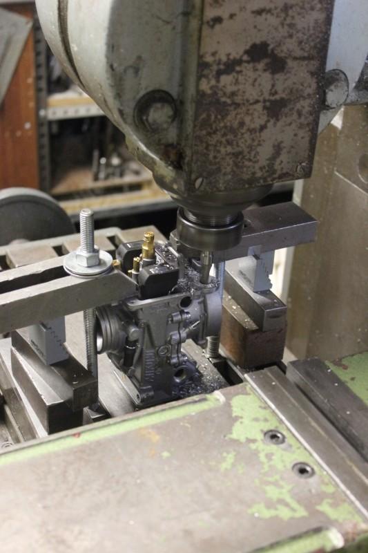 Réalisation d'une rampe de Mikuni RS36 pour une Honda 500 CB Ph08_p11