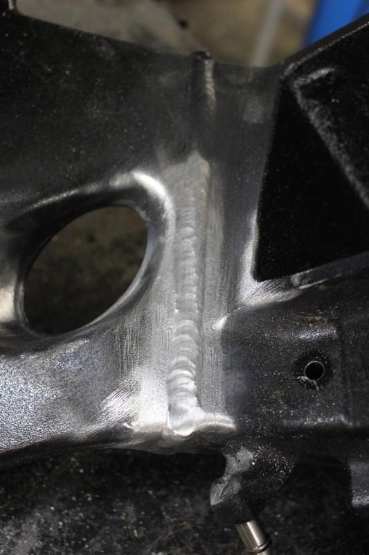 Soudure alu sur un cadre de BMW S 1000 RR Ph10_i10
