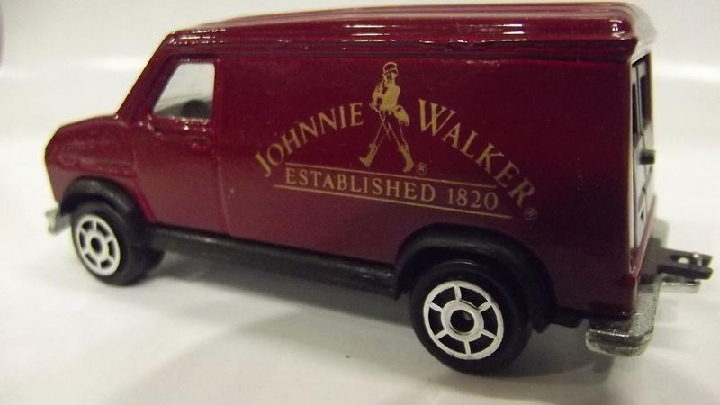 Fourgon JOHNNIE WALKER (Whisky) Dscf2035