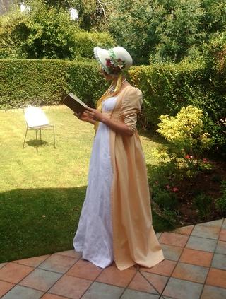 [Histo] Lost in Austen, ou ma robe Regency - Page 2 Dscn7312