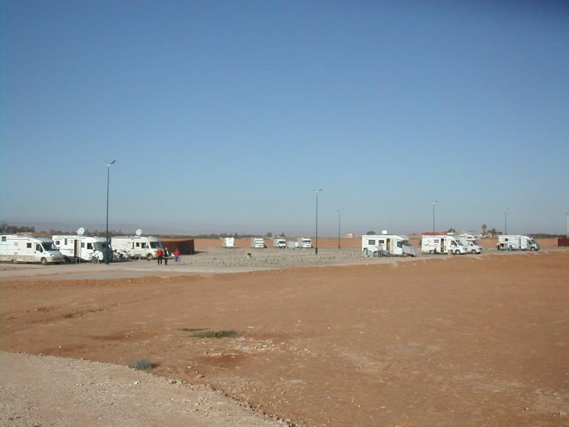 Nouveau camping TIZNIT : le Tazerzite - Page 2 Dscn4213