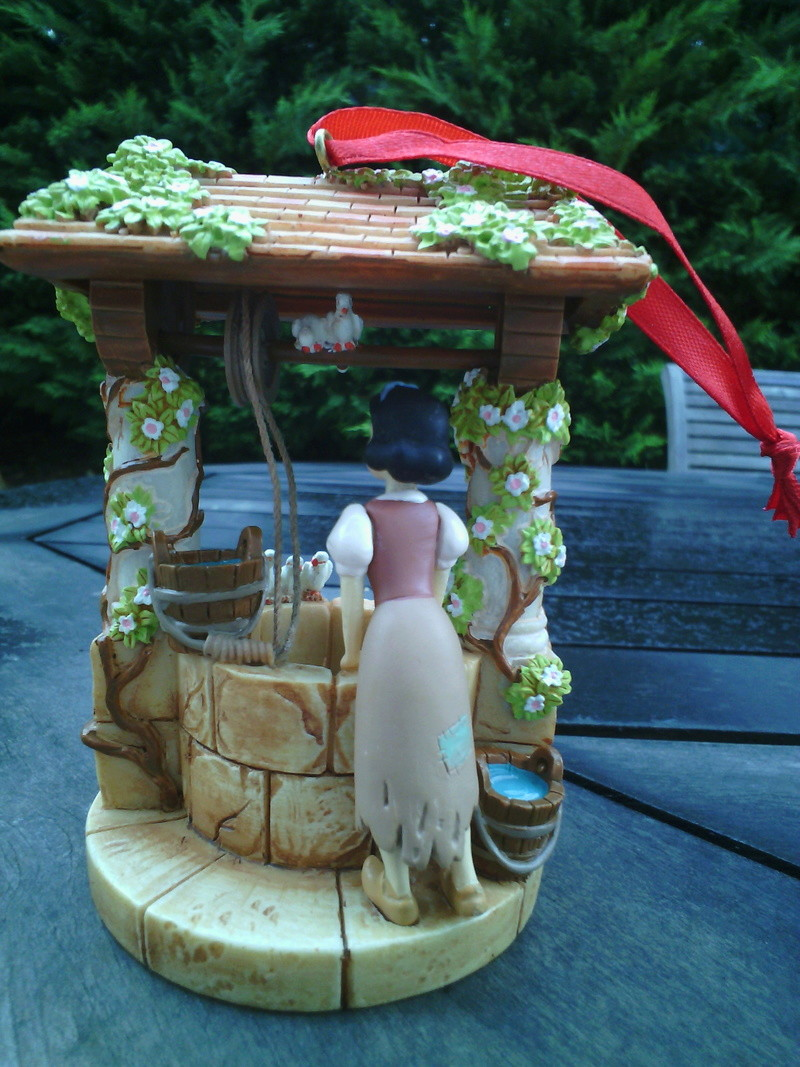 Blanche Neige et les Sept Nains - Page 37 Img_2015