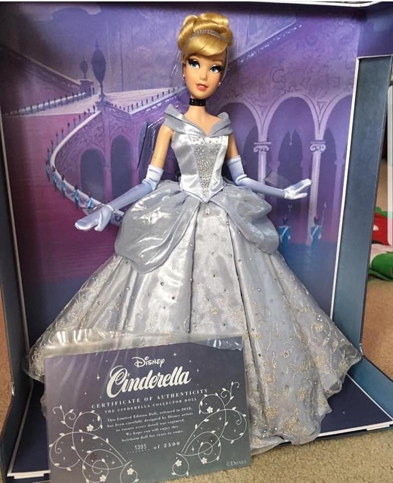 Disney Store Poupées Limited Edition 17'' (depuis 2009) - Page 37 46800110
