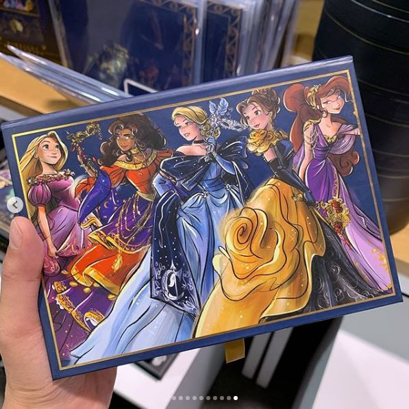 Disney Midnight Masquerade Designer Collection (depuis 2019) Hukgu10