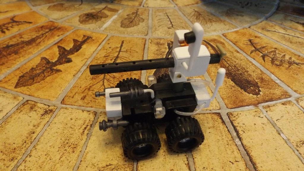 Robot déminage  10655310