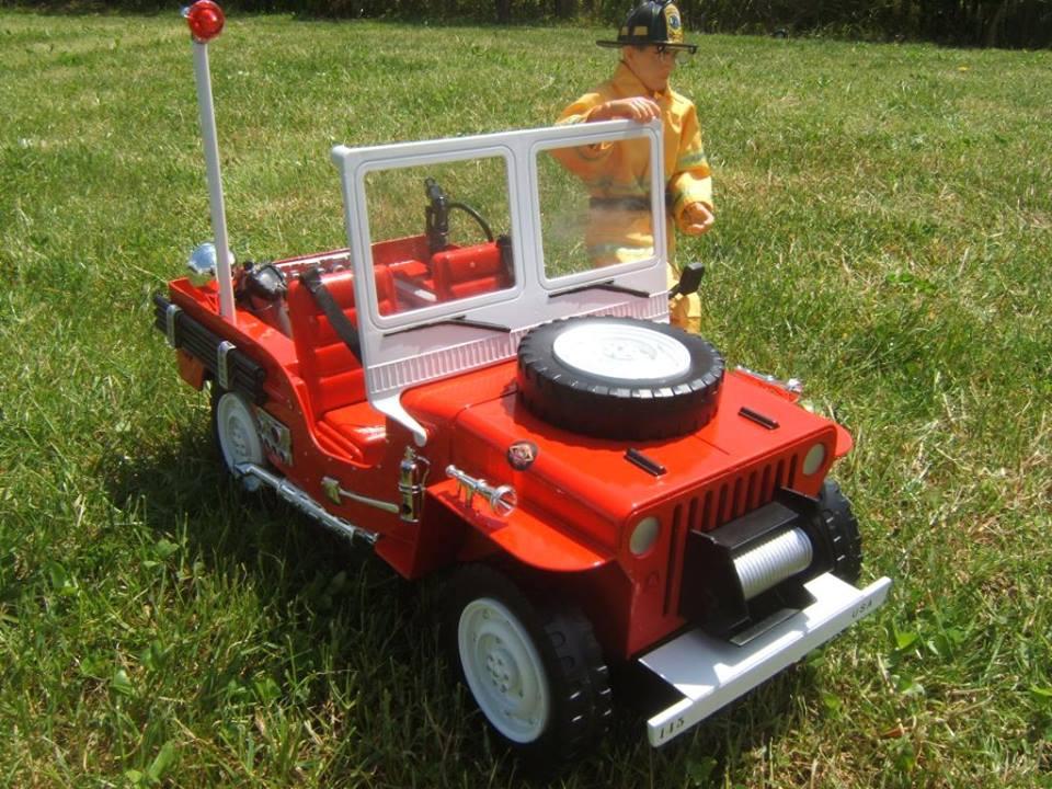 Jeep moderne pompiers  10881610
