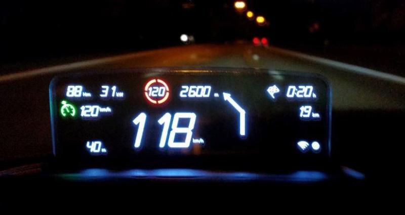"""Nouveau GPS """"tête haute"""" Captur11"""