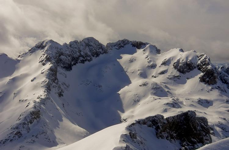 Nieve y Montañas Cantábricas