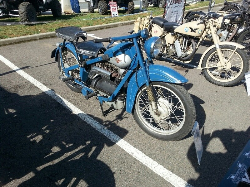 MOTOS anciennes à POITIERS 30 SEPTEMBRE 17 Bleue10