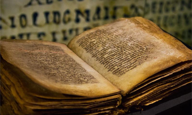 À propos des livres sacrés 110