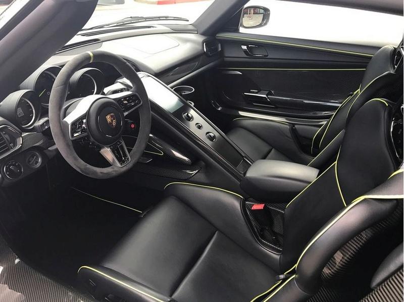 A vendre, belle Porsche récente... 0014