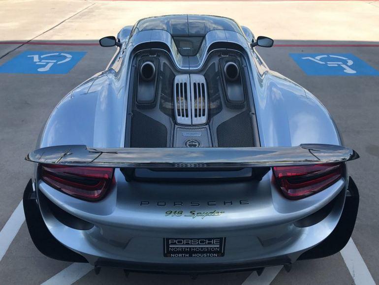 A vendre, belle Porsche récente... 0aa14