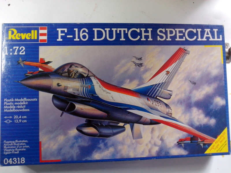 "F-16 AM ""Solo Display 2015 Blizzard"" (Revell) Img_2064"