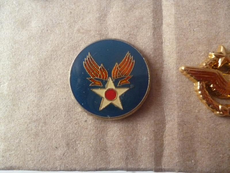 Pin's militaire? japon? P1190912