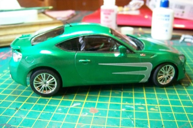 Toyota 86 Tamiya 1/24 (Fini ) - Page 2 100_1815