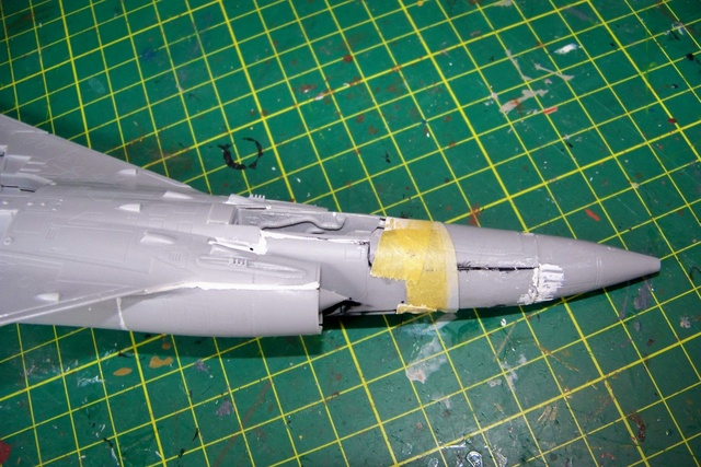 Mirage III EL 1/48 Kinetic (defi au trésorier de l' AMO61) 100_1832