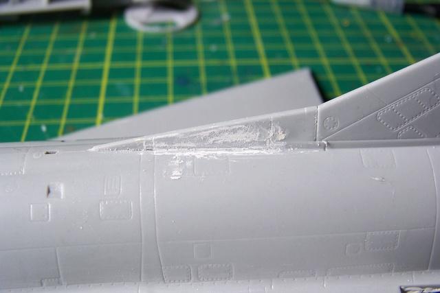 Mirage III EL 1/48 Kinetic (defi au trésorier de l' AMO61) 1331010