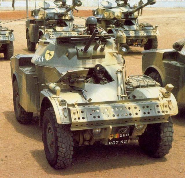 AML-60 TAKOM 1/35 ( CARENTAN) FINI 20155910