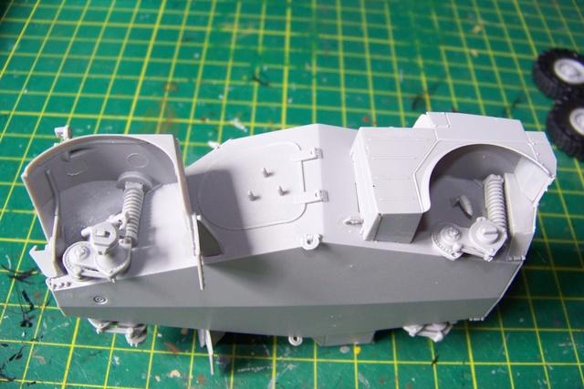 AML-60 TAKOM 1/35 ( CARENTAN) FINI 924910