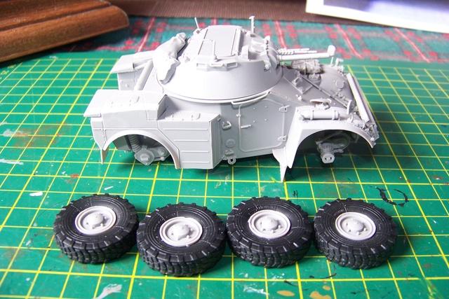 AML-60 TAKOM 1/35 ( CARENTAN) FINI 934210