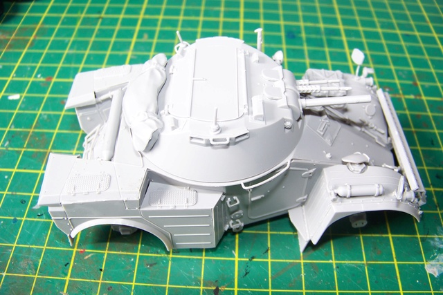 AML-60 TAKOM 1/35 ( CARENTAN) FINI 935510