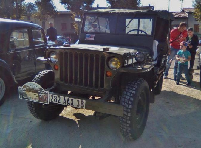 Rassemblement véhicules anciens de ROUSSILLON (Isère), Dimanche 24 Septembre 2017 13_img10