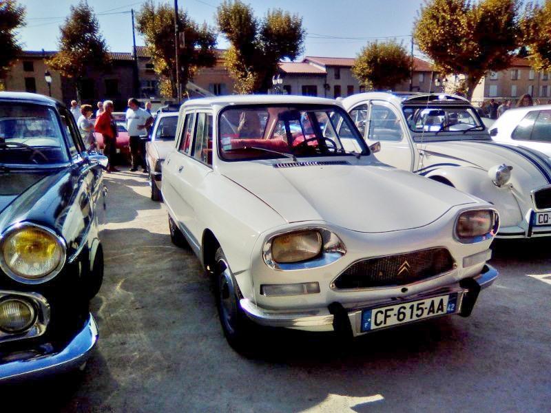 Rassemblement véhicules anciens de ROUSSILLON (Isère), Dimanche 24 Septembre 2017 31_img10
