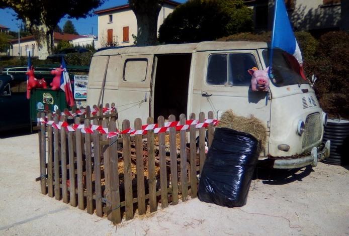 Rassemblement véhicules anciens de ROUSSILLON (Isère), Dimanche 24 Septembre 2017 6_img_10