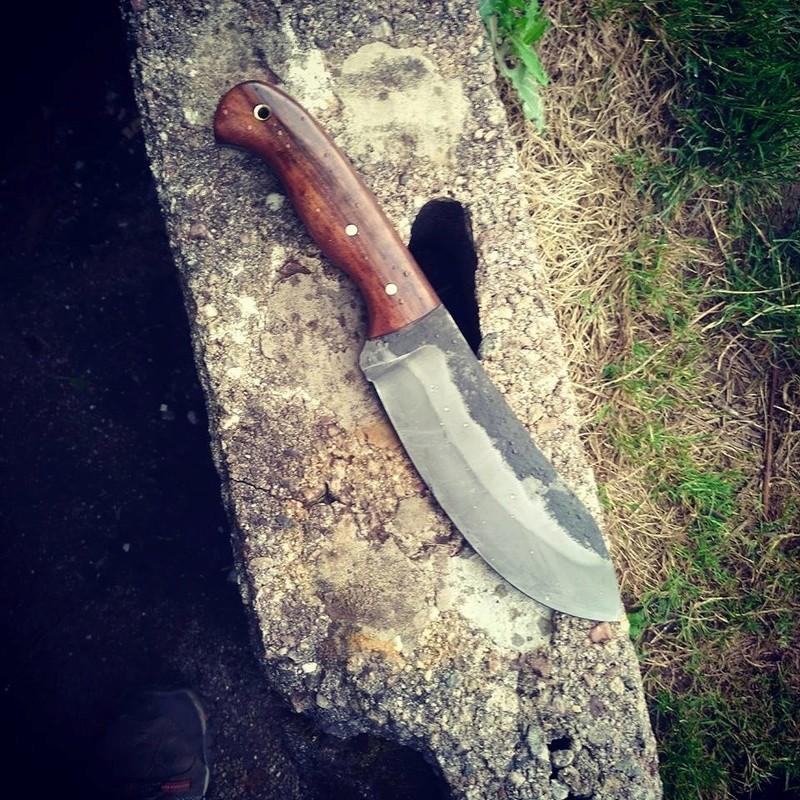 Un seul couteau - Page 2 20374310