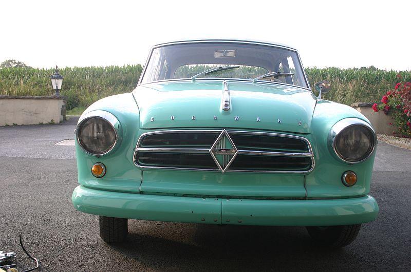 Borgward Isabella 1961 - auf dem Parkplatz schnappgeschossen 212