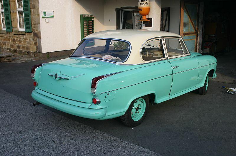 Borgward Isabella 1961 - auf dem Parkplatz schnappgeschossen 512