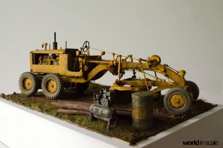 "Caterpillar 12 ""Motor Grader"" - 1/35 by Plus Model 5r2w2b11"