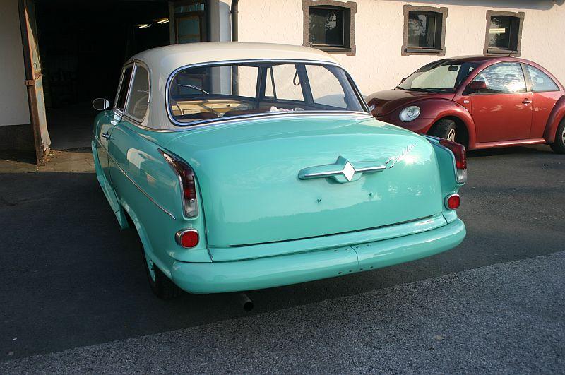 Borgward Isabella 1961 - auf dem Parkplatz schnappgeschossen 612