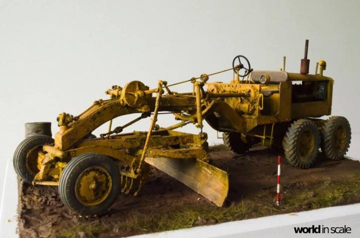 """Caterpillar 12 """"Motor Grader"""" - 1/35 by Plus Model Csd7ld11"""