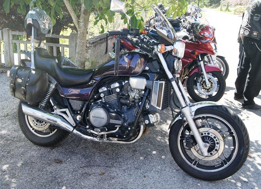 Recherche info moto Coluche  Dsc06912