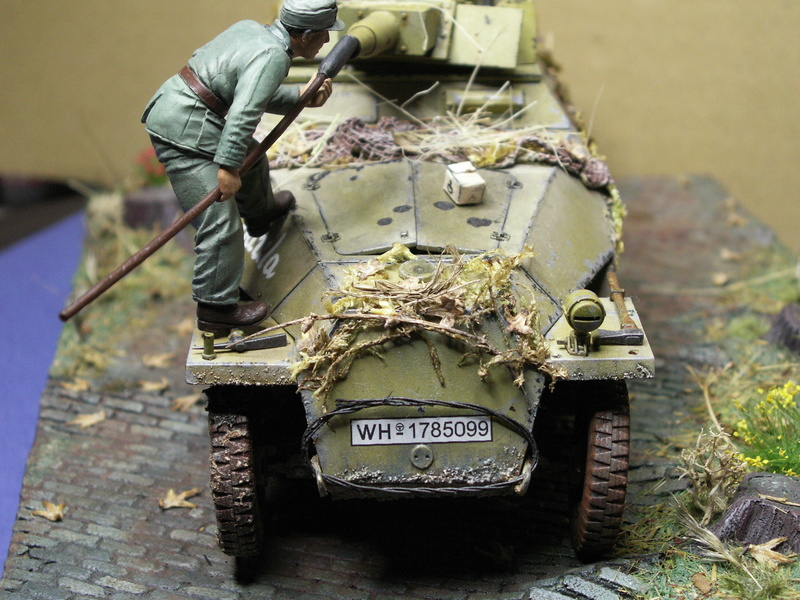 GERMAN SD.kfz.251/9 ausf.d  1:35  (afv club) - Page 4 Pict0937