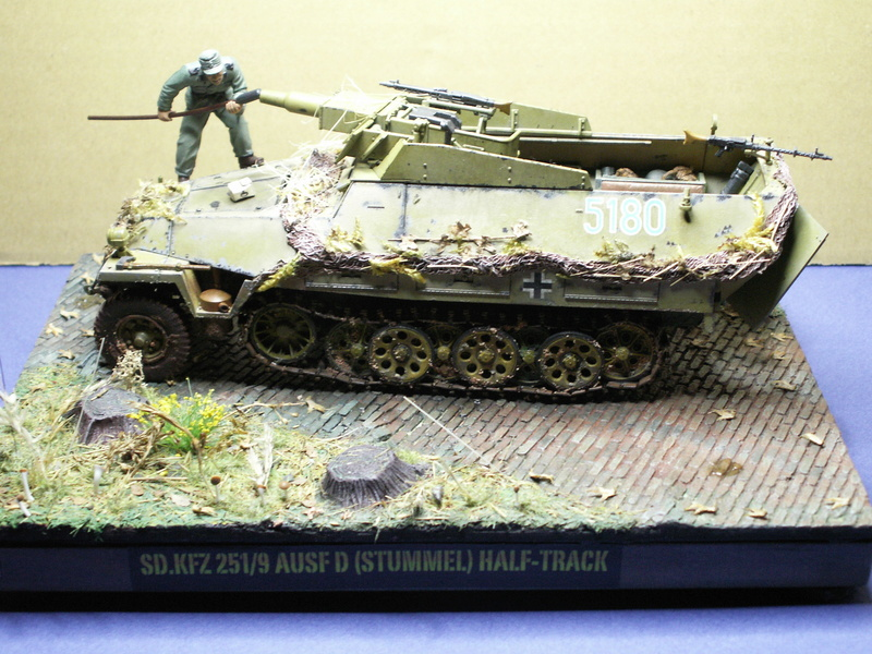 GERMAN SD.kfz.251/9 ausf.d  1:35  (afv club) - Page 4 Pict0939