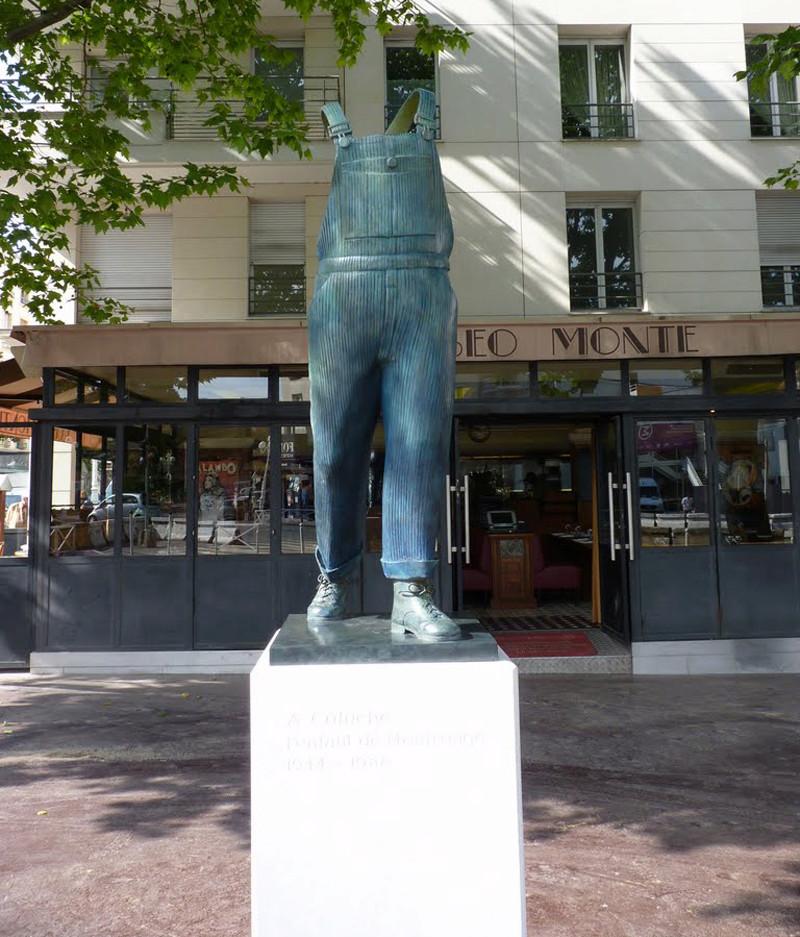 La salopette de Coluche - Montrouge - Hauts de Seine - France 54251710