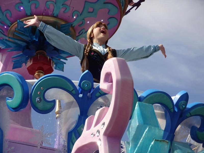 Vos photos avec les Personnages Disney - Page 2 Dsc08010