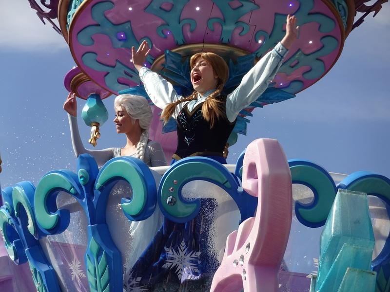Vos photos avec les Personnages Disney - Page 2 Dsc08011