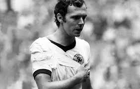 Best footballeur de l histoire Images14