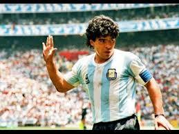 Best footballeur de l histoire Images17