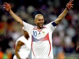 Best footballeur de l histoire Images18