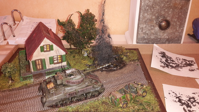 """Libération"" - Belgique 1944 --- Sherman Firefly (Armourfast 1/72) + Sd.Kfz 251 (Revell 1/72) 11-09-17"