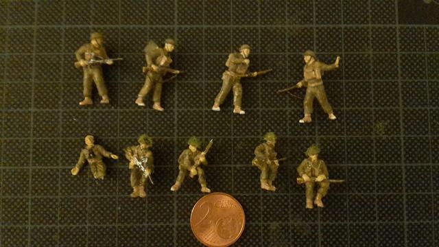 """Libération"" - Belgique 1944 --- Sherman Firefly (Armourfast 1/72) + Sd.Kfz 251 (Revell 1/72) 26-09-10"
