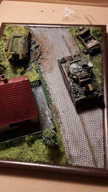 """Libération"" - Belgique 1944 --- Sherman Firefly (Armourfast 1/72) + Sd.Kfz 251 (Revell 1/72) 9-9-1711"